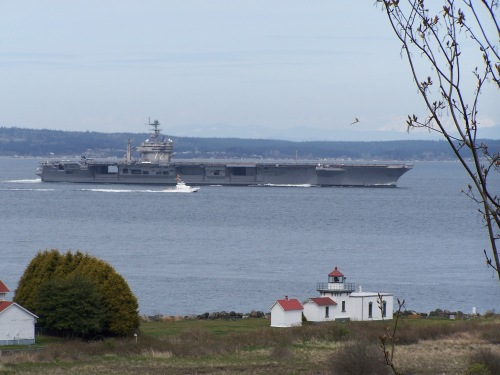 USS Abraham Lincoln (CVN-72)Passing the Point no Point Light