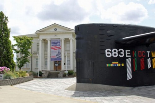 The Puget Sound Navy Museum is located in historic Building 50. A portion of the historic submarine USS Parche (SSN 683) is on display in front of the museum.
