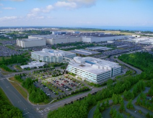 Boeing's Everett site is approximately 1,000 acres, including 215 acres of paved yards and parking, and 282 acres of building area.