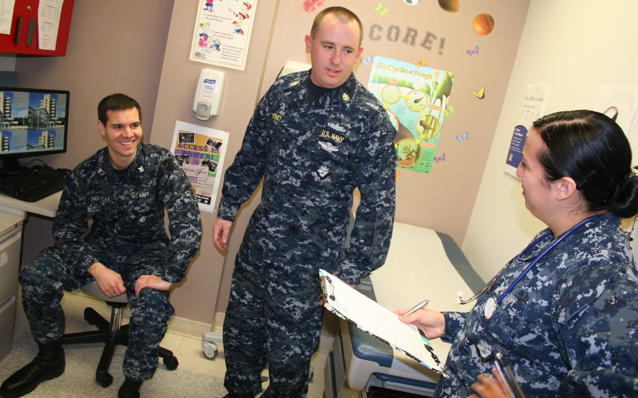 Three Naval Hospital Bremerton Sailors Selected for Medical ...