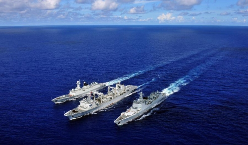 Chinese fleet joins others for RIMPAC exercise Updated: 2014-06-15 08:29 (Xinhua)   Chinese fleet joins others for RIMPAC exercise The missile destroyer Haikou (R), missile frigate Yueyang and supply ship Qiandaohu(C) are seen during the supply at sea in Pacific Ocean, during the Rim of the Pacific (RIMPAC) multinational naval exercises, on June 13, 2014.